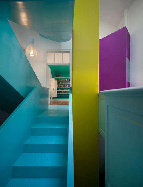 Colorblocking in historischer Umgebung - Torres Vedras