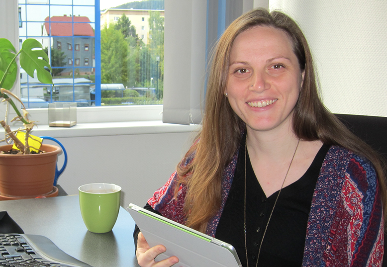 pCon.basket product manager - Annegret Kirchner - at her desk