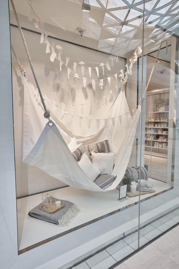 Shop Window that inspires to get cozy