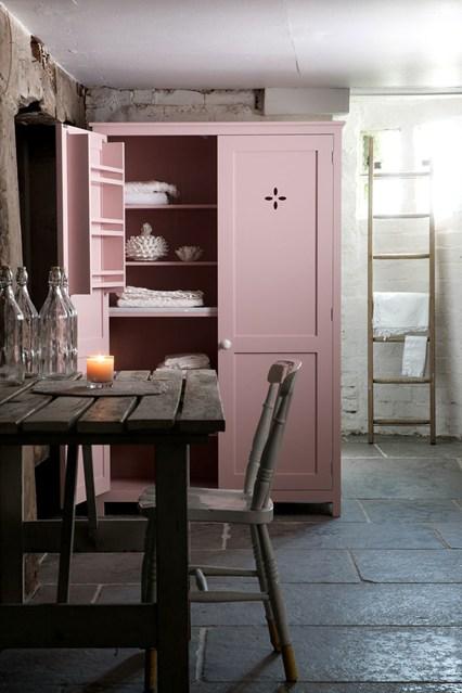 devol-pinkpantry-1-easy-living-12aug13_pr_b_426x639_1